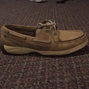 Sperry size 6